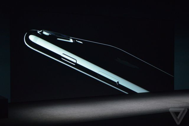 apple-iphone-watch-20160907-4713