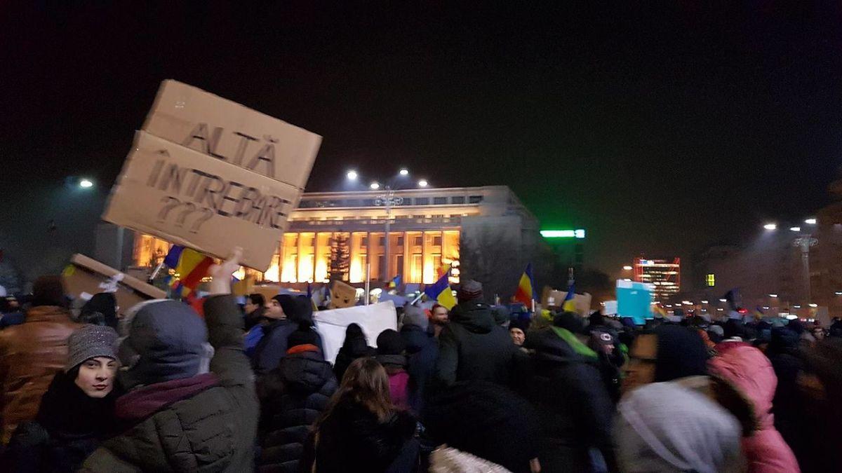 Demokracie umírá – a je překvapující, jak málo lidí to znepokojuje