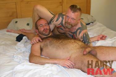 naked hairy straight men