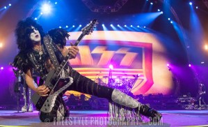KISS - Canadian Tire Centre
