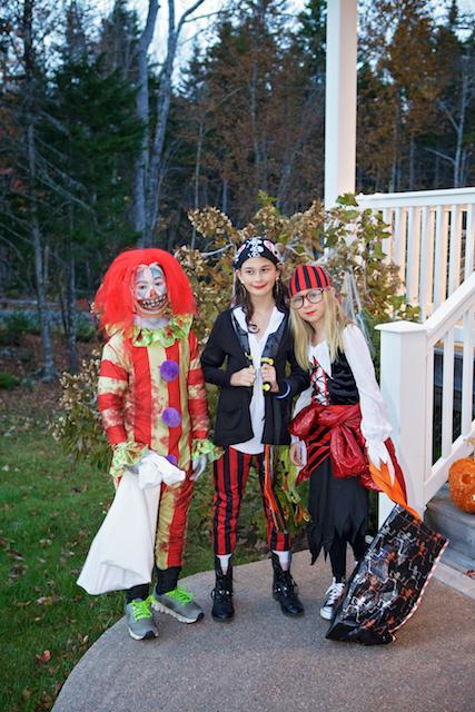 Pirates et clown d'Halloween