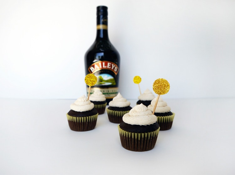 Baileys-Irish-Cream-Cupcakes-3