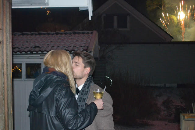 Kissing on New Years