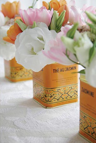 Center piece tea tin vase