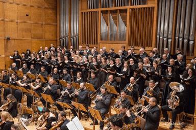 Sofia Philharmonic Orchestra - ein Chor und Orchester, Verdis Requiem, 25. April, BulgariaHall, unter der Leitung des österreichischen Dirigenten Friedrich Pfeiffer