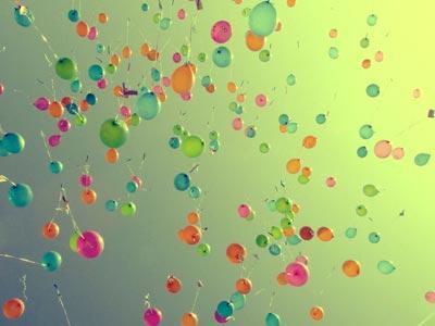 Child-Funeral-Baloons-Friends-Alternative-Funerals