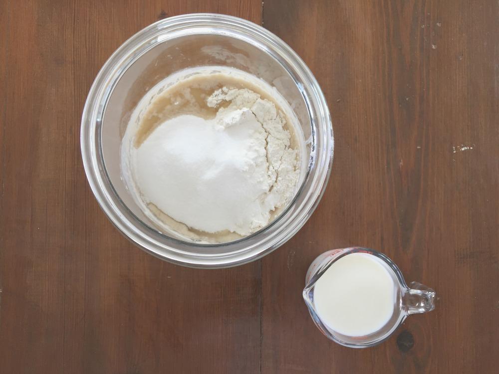 Amish Friendship Bread Starter Day 6 ♥ friendshipbreadkitchen.com
