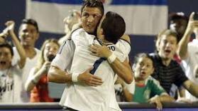 sports hugs2