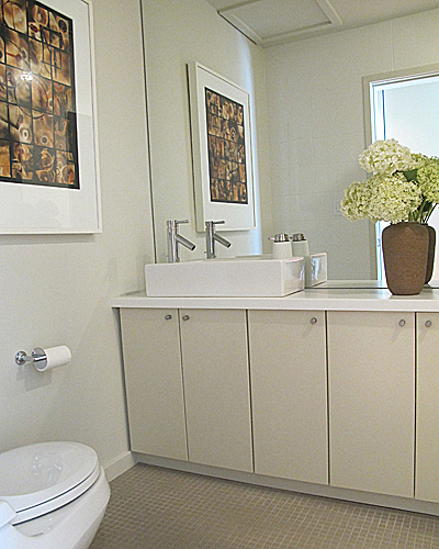 FrugalbitsHow To Make A Small Bathroom Feel Larger: