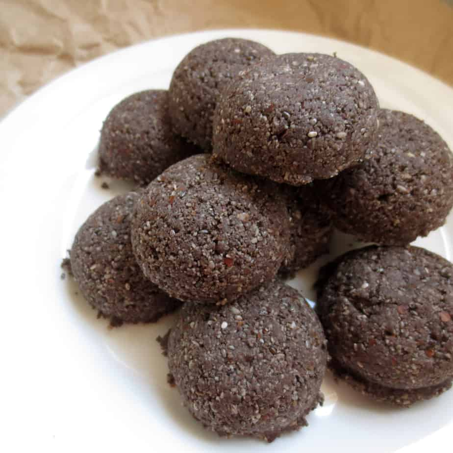 Chocolate Chia Bites