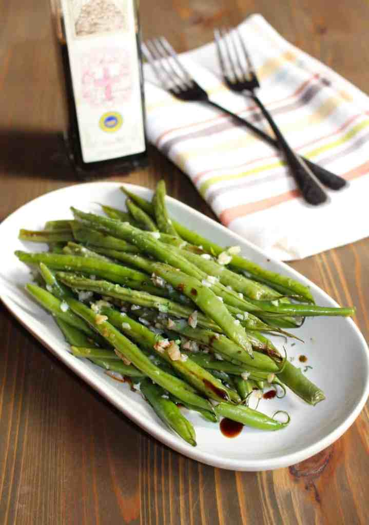 String Beans With Garlic And Oil Recipe — Dishmaps