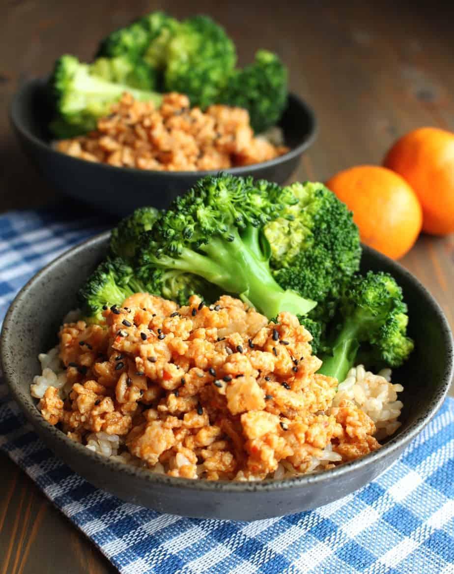 Orange ground chicken rice bowls frugal nutrition ground orange chicken brown rice bowls with broccoli frugal nutrition easydinner orangechicken forumfinder Images