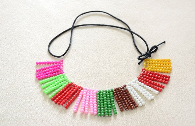 beads-necklace-2
