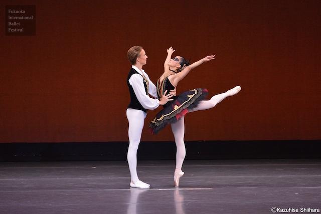 Miharu Maki and Douwe Dekkers performing the Venetian Grand Pas de Deux.