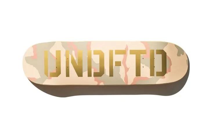 UNDEFEATEDから砂漠をイメージしたベージュのデザートカモフラージュパターンを使用したスケートデッキ「DUNE/GOLD SKATE DECK」が発売! (アンディフィーテッド)