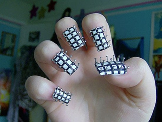 Here-Comes-the-Pop-Culture-Nails-007