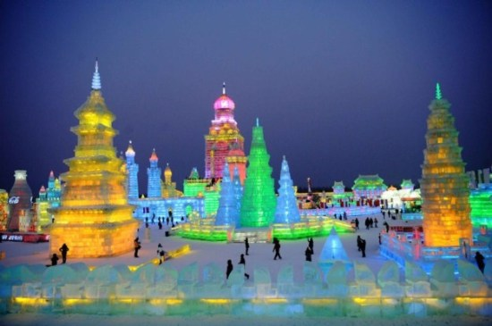 Ice-and-Snow-Sculpture-Festival-015