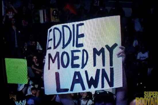 WWE-Funny-Fan-Signs-007