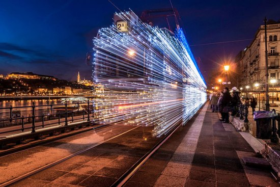30,000 LED Lights Turn Budapest's Trams Into Futuristic Time Machines 001