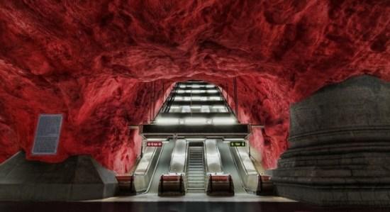 Radhuset Station