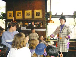 Magician for Kids Party San Jose Childrens Magic Show rentals Los Angeles kid parties entertainment