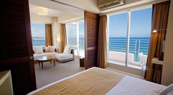 沖繩海灘塔酒店
