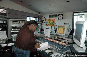 Wade in the WHTZ studios, 2006
