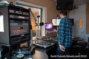 KPWR mix studio