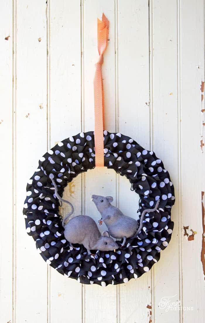 Easy DIY Halloween Rat Wreath