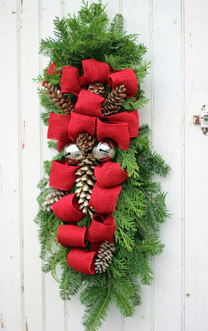 Learn to make a Christmas swag with this easy to follow tutorial