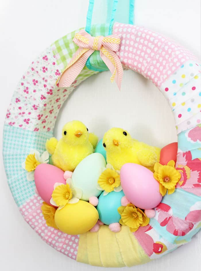 Easter Spring Easter Chick wreath with Eggs and Daffodils.
