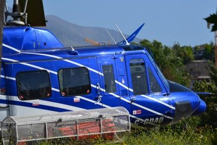Acercamiento al cockpit del C-GDAO en el cual se aprecian varios de sus equipamiento especiales: Radar, cortacables, equipamiento radioeléctrico, canasta exterior, localizador ELT, etc. (foto: Kenneth Brown).