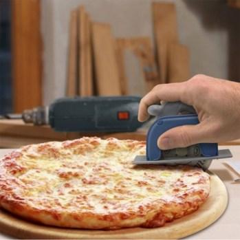pizzasnijder-in-de-vorm-van-een-cirkelzaag-0cf.jpg