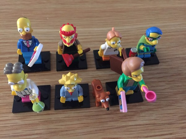 series-2-simpsons-lego