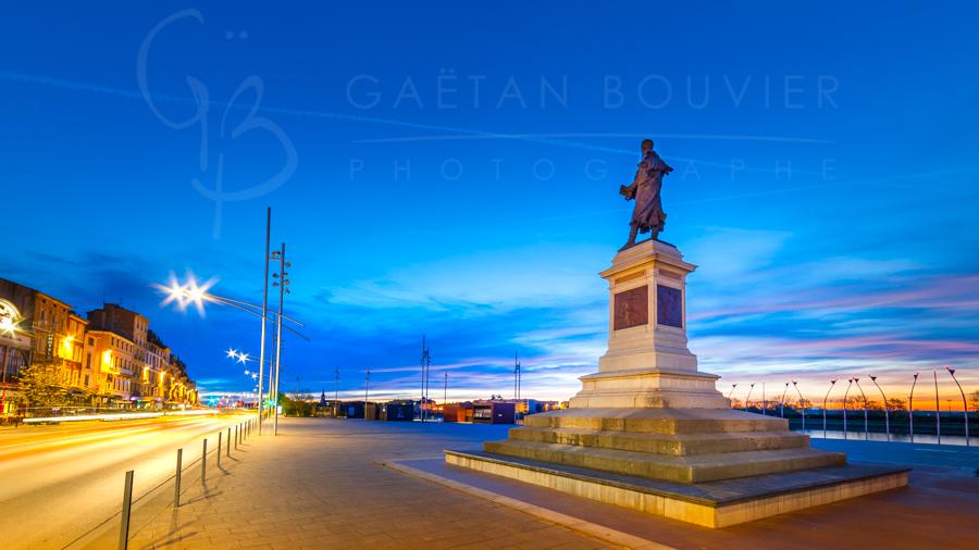 Statue de Lamartine, sur les quais de Mâcon