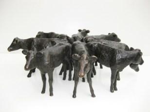 8 Kalveren - brons - 15 cm hoog