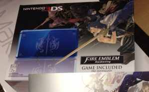 Limited Edition Fire Emblem Awakening Nintendo 3DS Console Bundle & RARE artbook