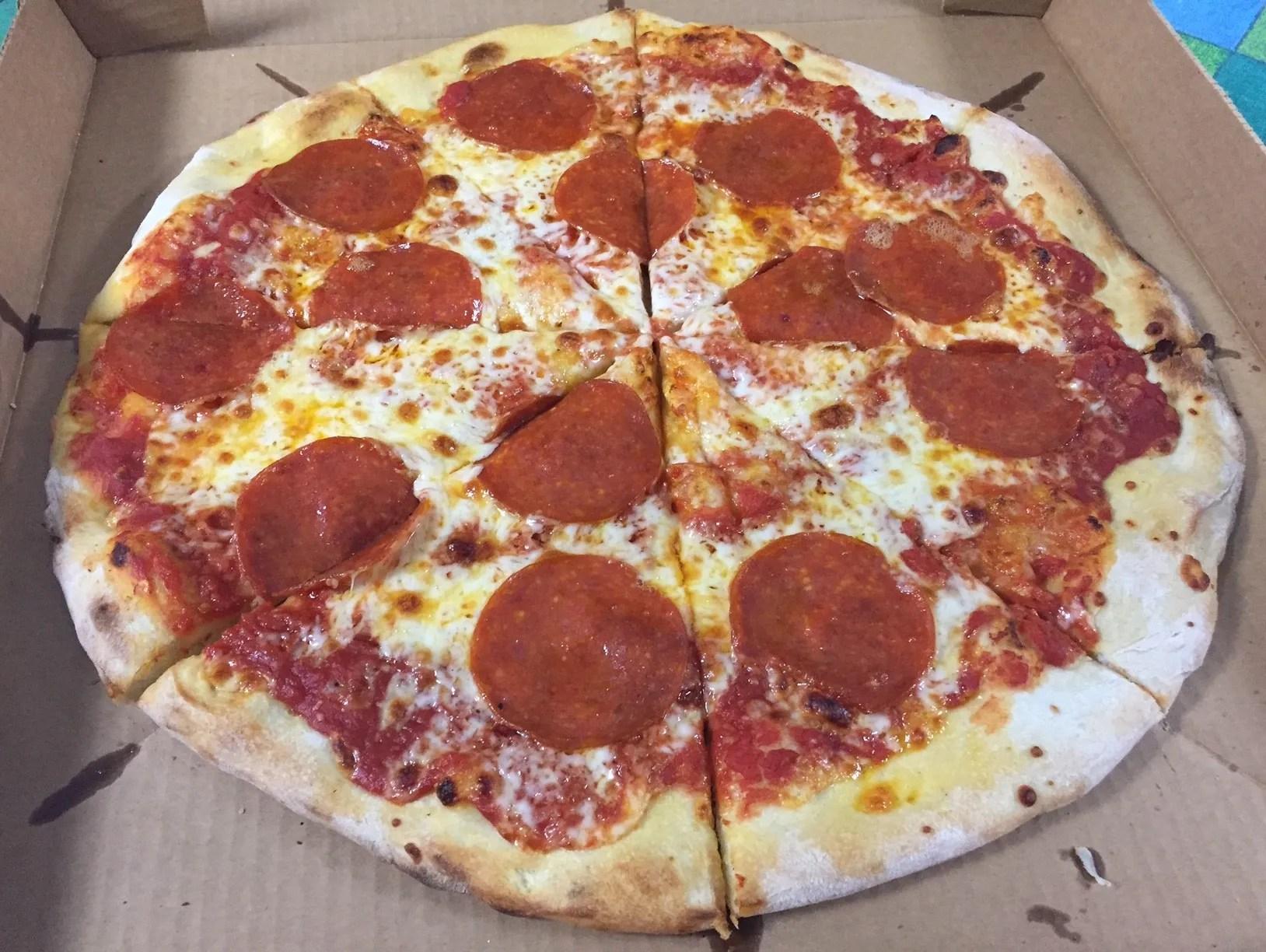 A cheesy pizza night delights in Monticello