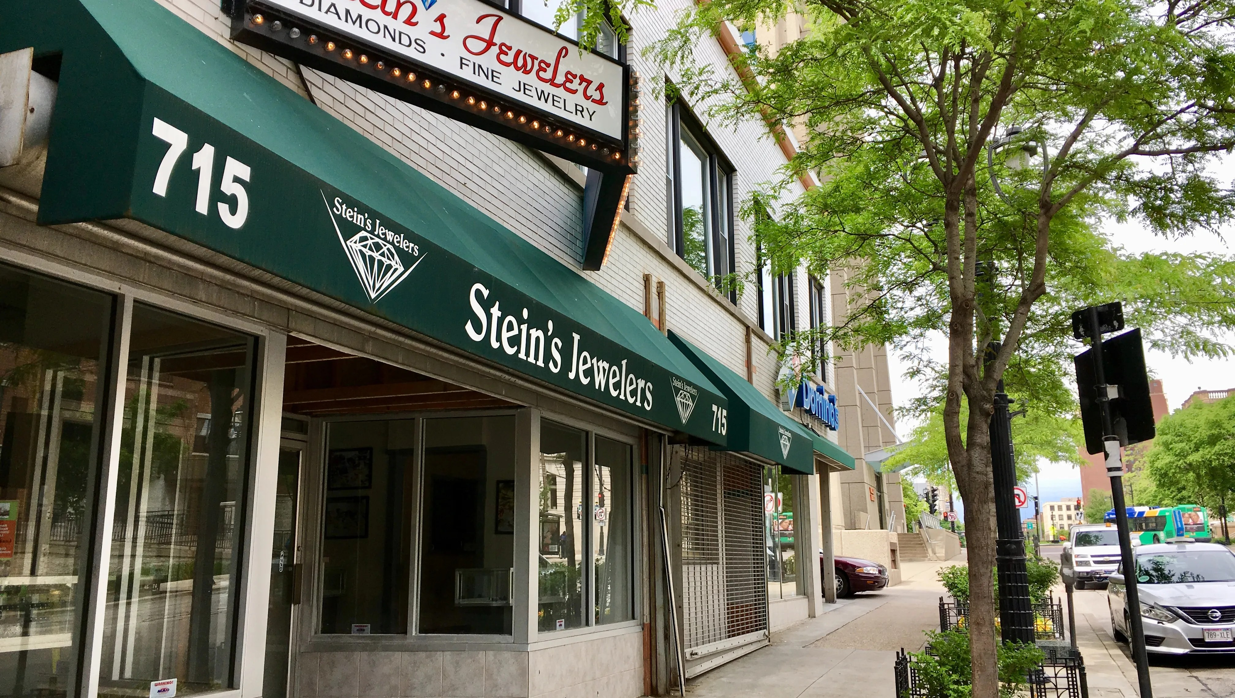 Stein's Jewelers to reopen in Milwaukee as jewelry and loan store