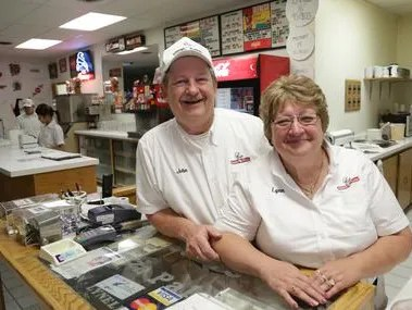Sam's Pizza gets new owners in family