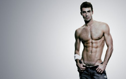 Justin Clynes Hairy Muscle Model 600x375 Stunning Model, Actor and Photographer Justin Clynes