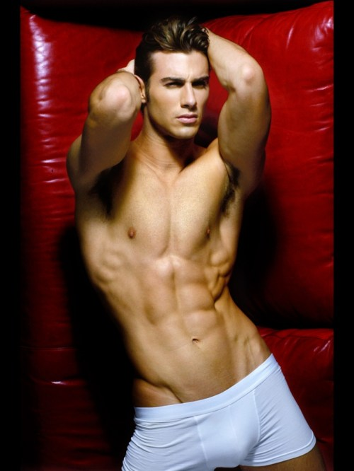 Justin Clynes Muscles In Underwear 600x799 Stunning Model, Actor and Photographer Justin Clynes