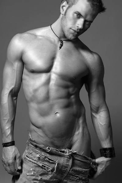 Gorgeous Model and Actor Kellan Lutz (10)
