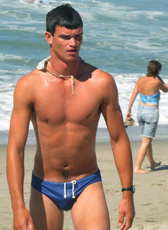 Checking Out The Swimmer Bulge! | Gay body blog - featuring photos of ...: www.gaybodyblog.com/2012/04/checking-out-the-swimmer-bulge.html