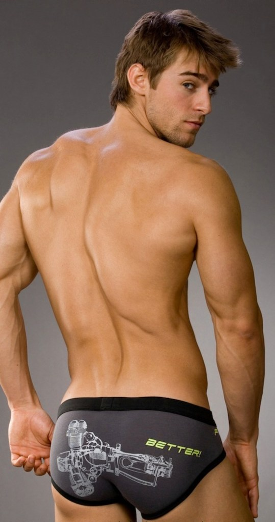 Luke Guldan Male Underwear Model 3 539x1024 Luke Guldan   Male Underwear Model