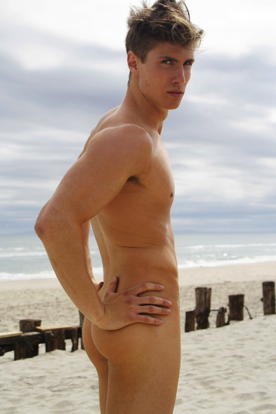Nude Beach Boy Dorian Reeves (1)