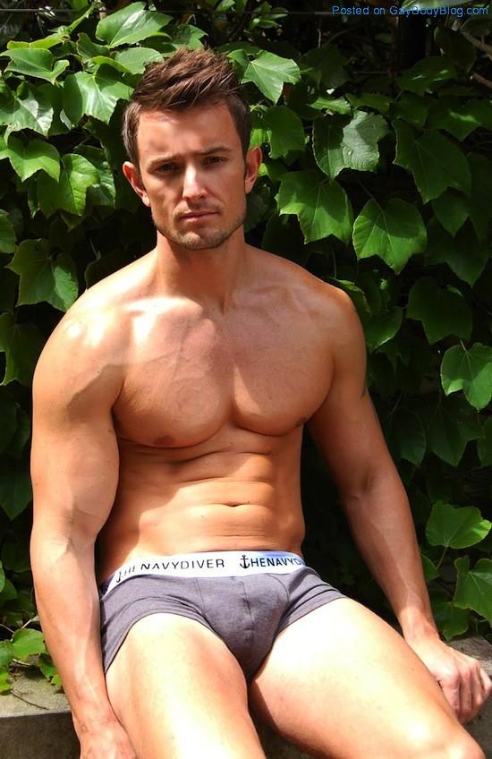 Awesome Pecs! (3)