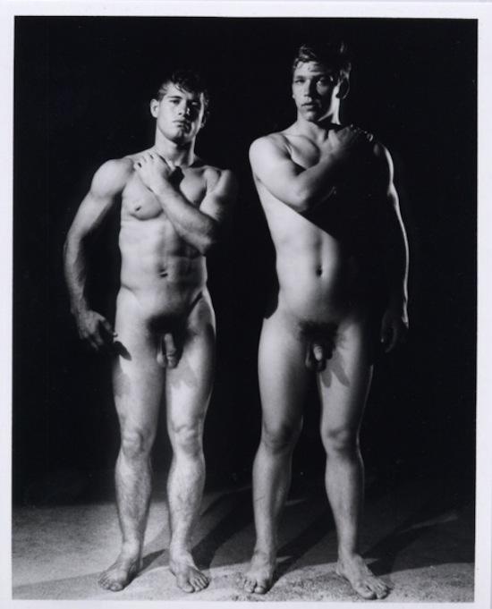 http://www.gaybodyblog.com/wp-content/uploads/2012/12/Vintage-Naked-Men-0.png (6)