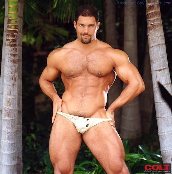 Muscle Man Franco Corelli Naked (2)