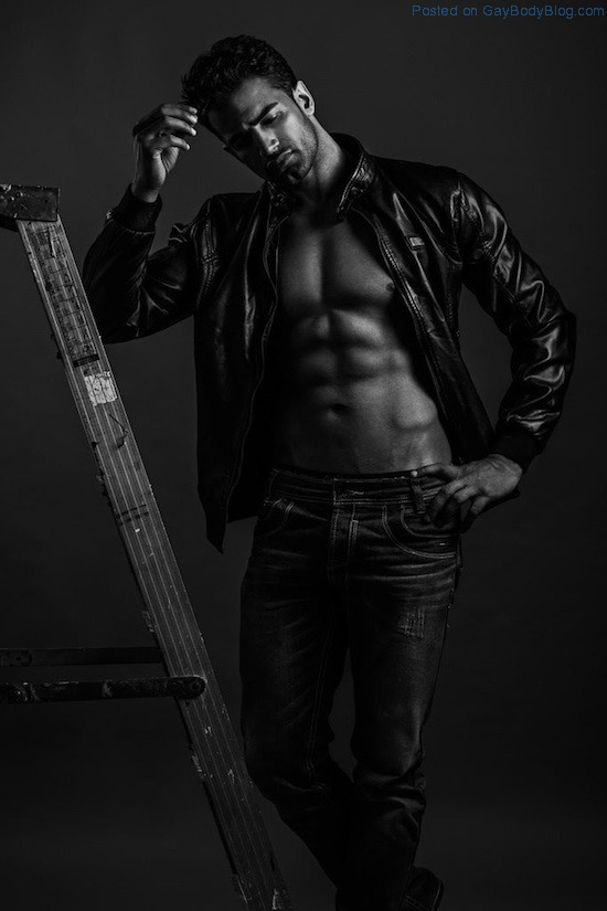 Bollywood Muscle Hunk Upen Patel (4)